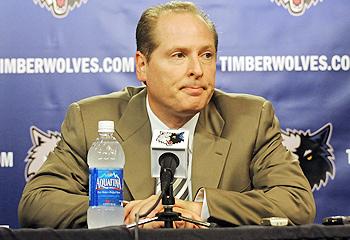 David Kahn looks like a guy who needs a hug.  Photo courtesy SI.com.